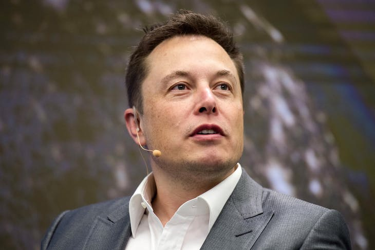 Elon Musk, Chairman of SolarCity and CEO of Tesla Motors, speaks at SolarCity's Inside Energy Summit in Manhattan, New York October 2, 2015. SolarCity on Friday said it had built a solar panel that is the most efficient in the industry at transforming sunlight into electricity.    REUTERS/Rashid Umar Abbasi  - RTS2SQZ