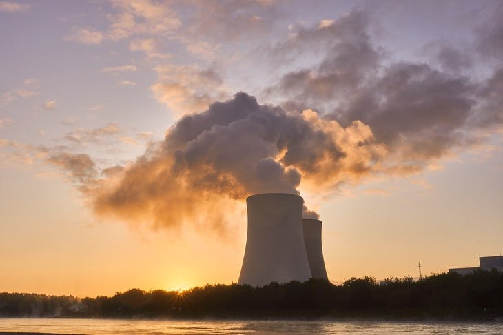 nuclear-power-plant-4535760_1280